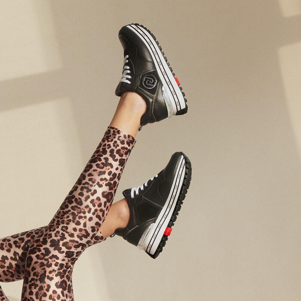 box-sneakers